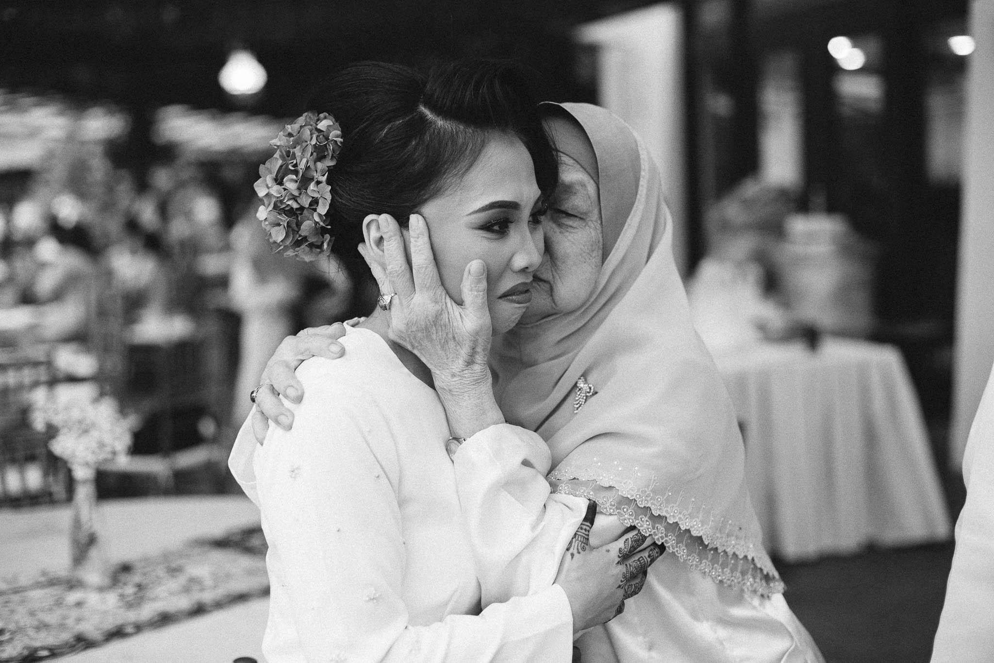 singapore-wedding-photographer-wemadethese-bw-008.jpg