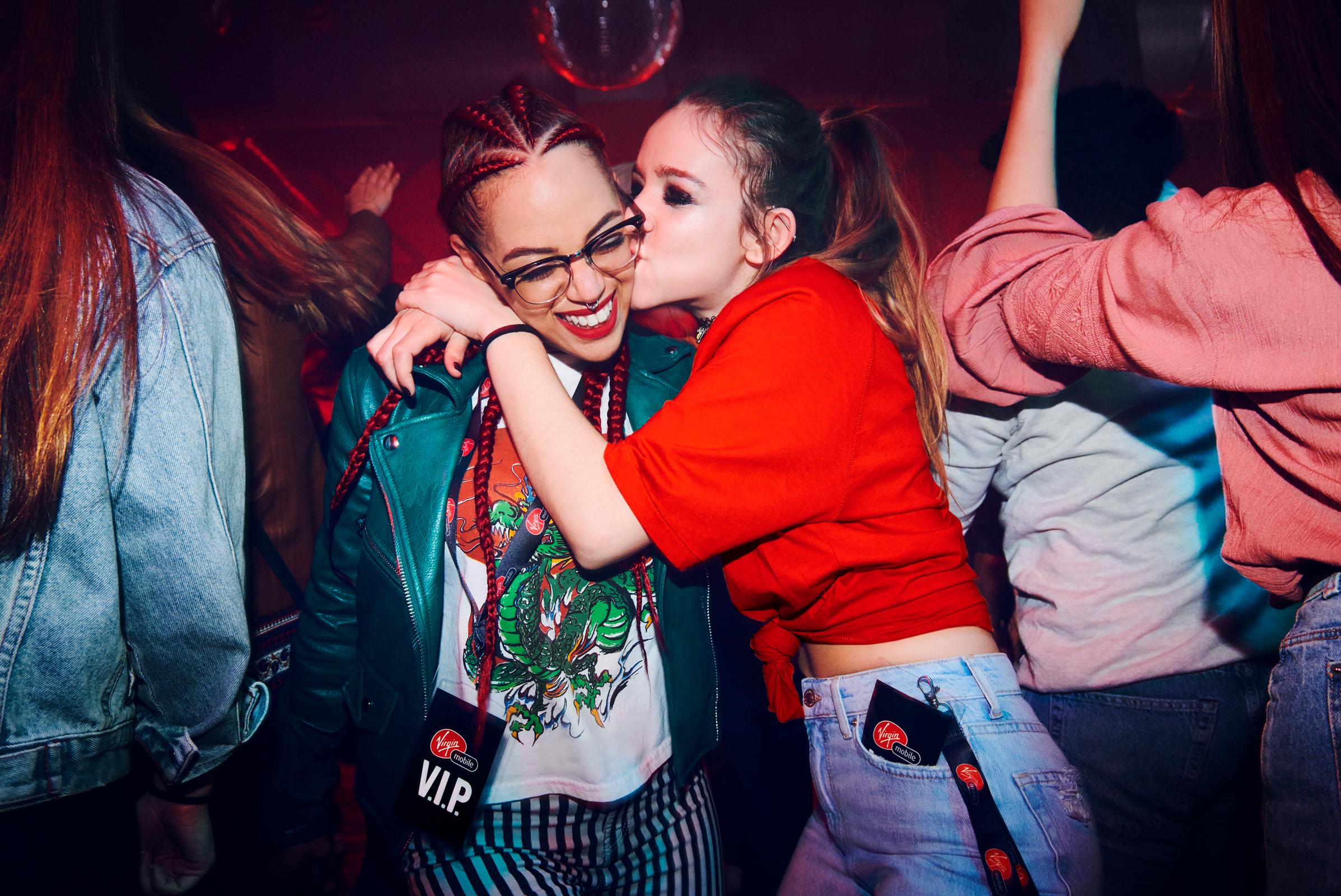 VIP_Kiss_horiz_RGB.jpg