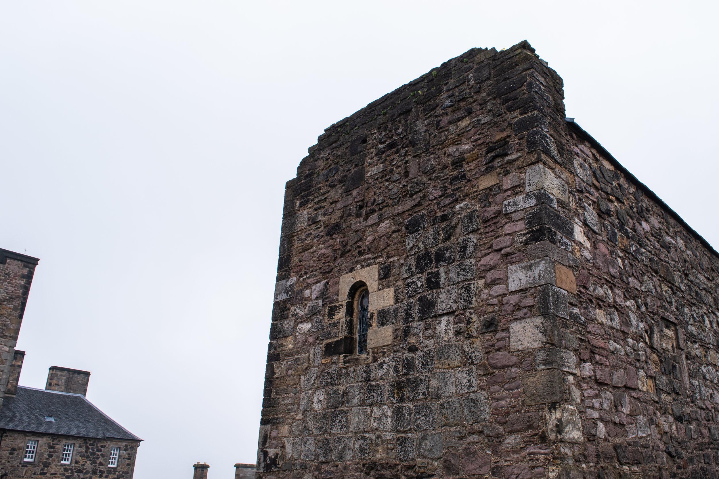 edinburgh castle 1.jpg