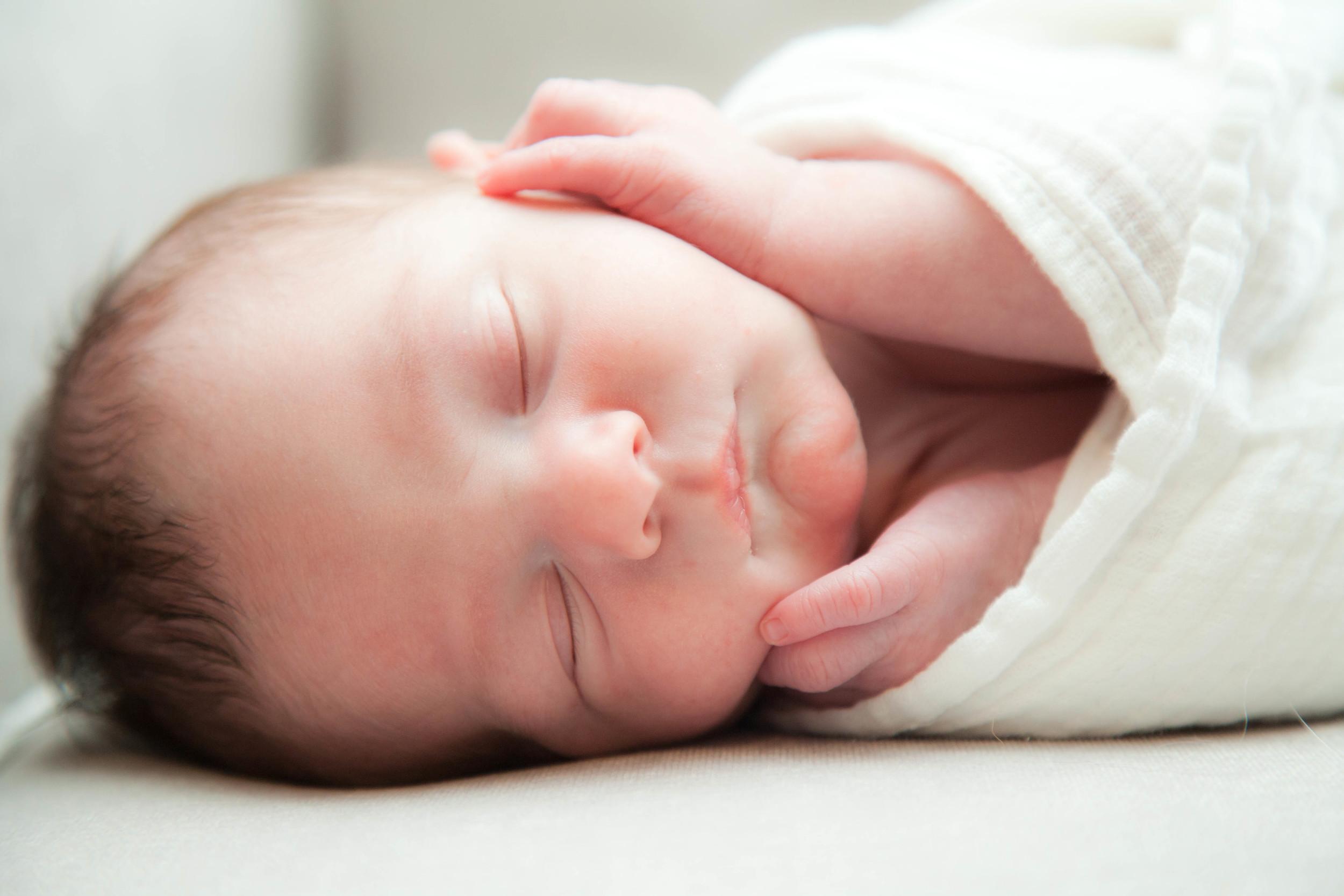 Rosanio Photography | Newborn Photos | Massachusetts Family Photographer