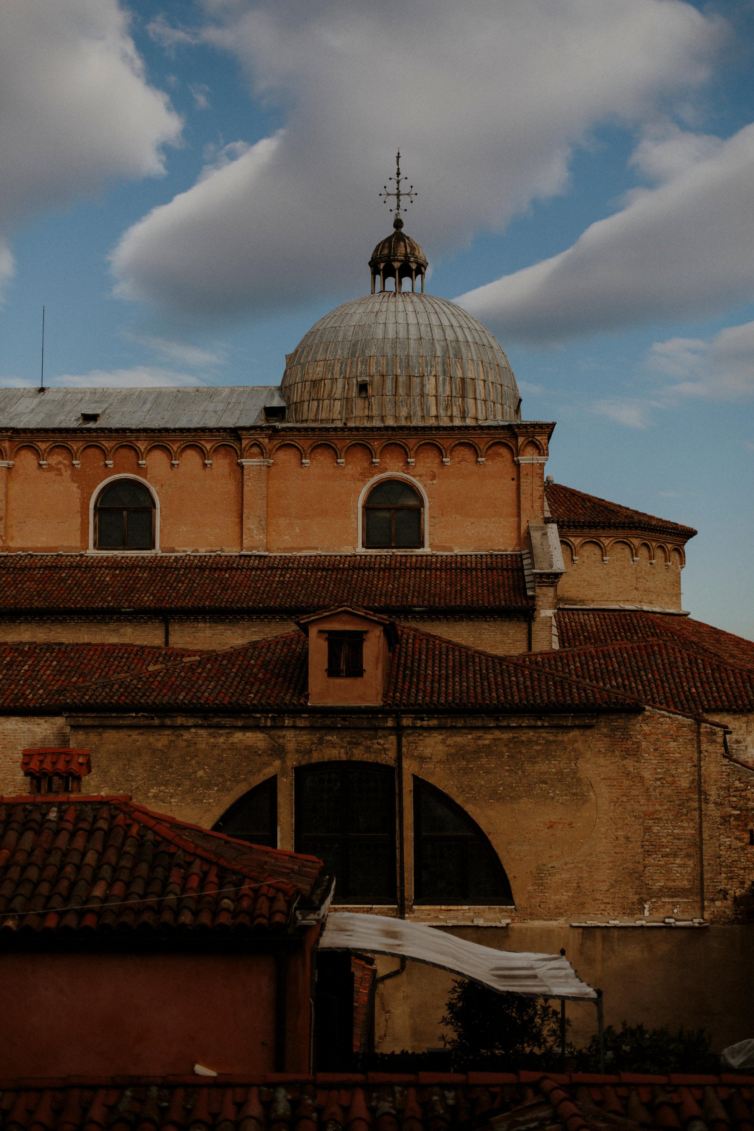 Italy Happily Shavers WebsiteItaly Happily Shavers Website Grain.jpg