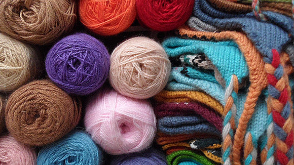 1-peru-pictures-textiles-yarn-2