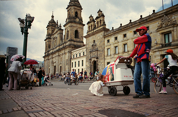 Bogota-Street-scene-Stacey-Viera