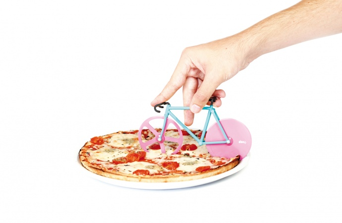 gift-guide-cyclist-fixie-pizza-cutter