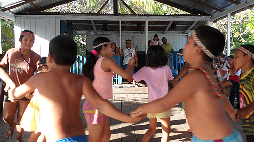 kambeba-tribe-brazil-dance