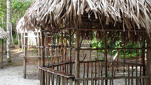 kambeba-tribe-brazil-necklaces
