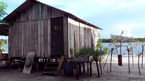 kambeba-tribe-brazil-satellite-dish