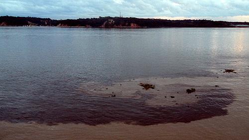 manaus-brazil-rivers-converge