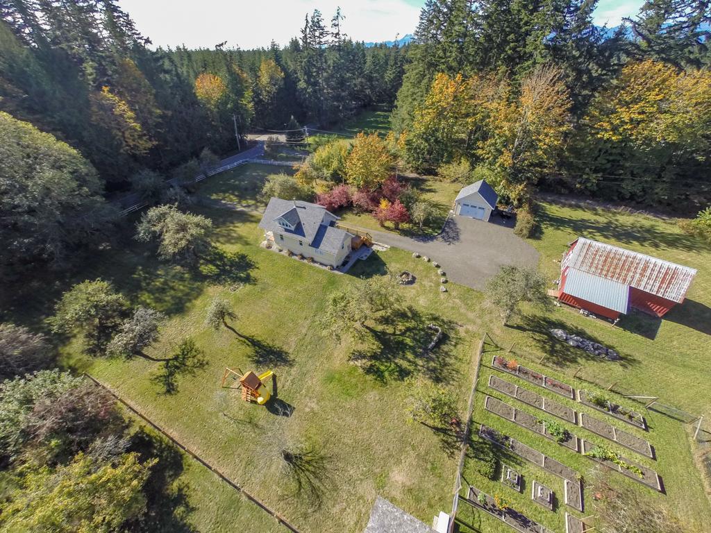 2558 Sherman Hill Farmhouse