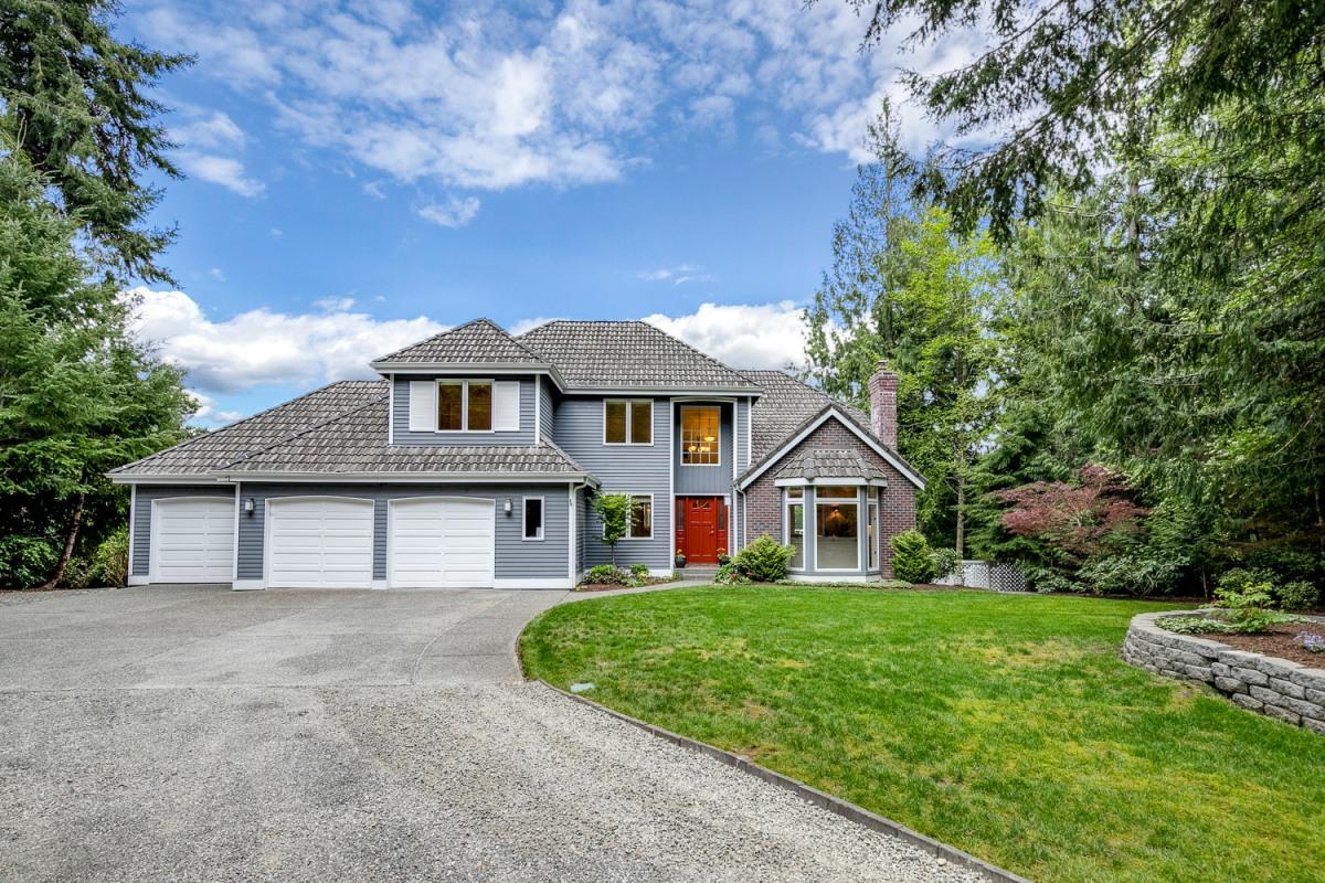 * 4168 El Cimo Lane NE, Bainbridge Island | Sold for $985,000