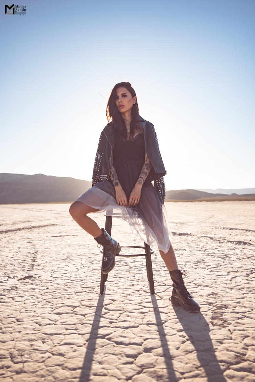 pose idea on stool in las vegas desert Naty Ashba