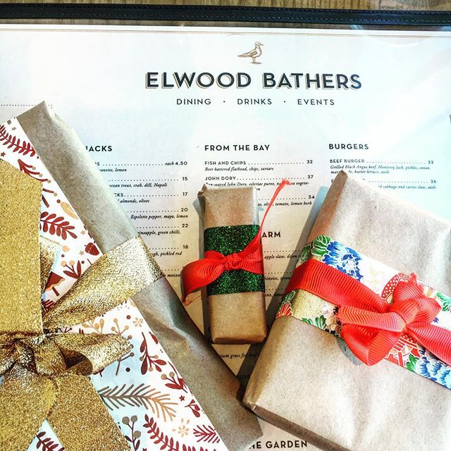 @elwoodbathers 🎅🏽🎄🎅🏽 This is how we start our Christmas!! We are open 11am - 3pm for all your last minute gifts ❤️