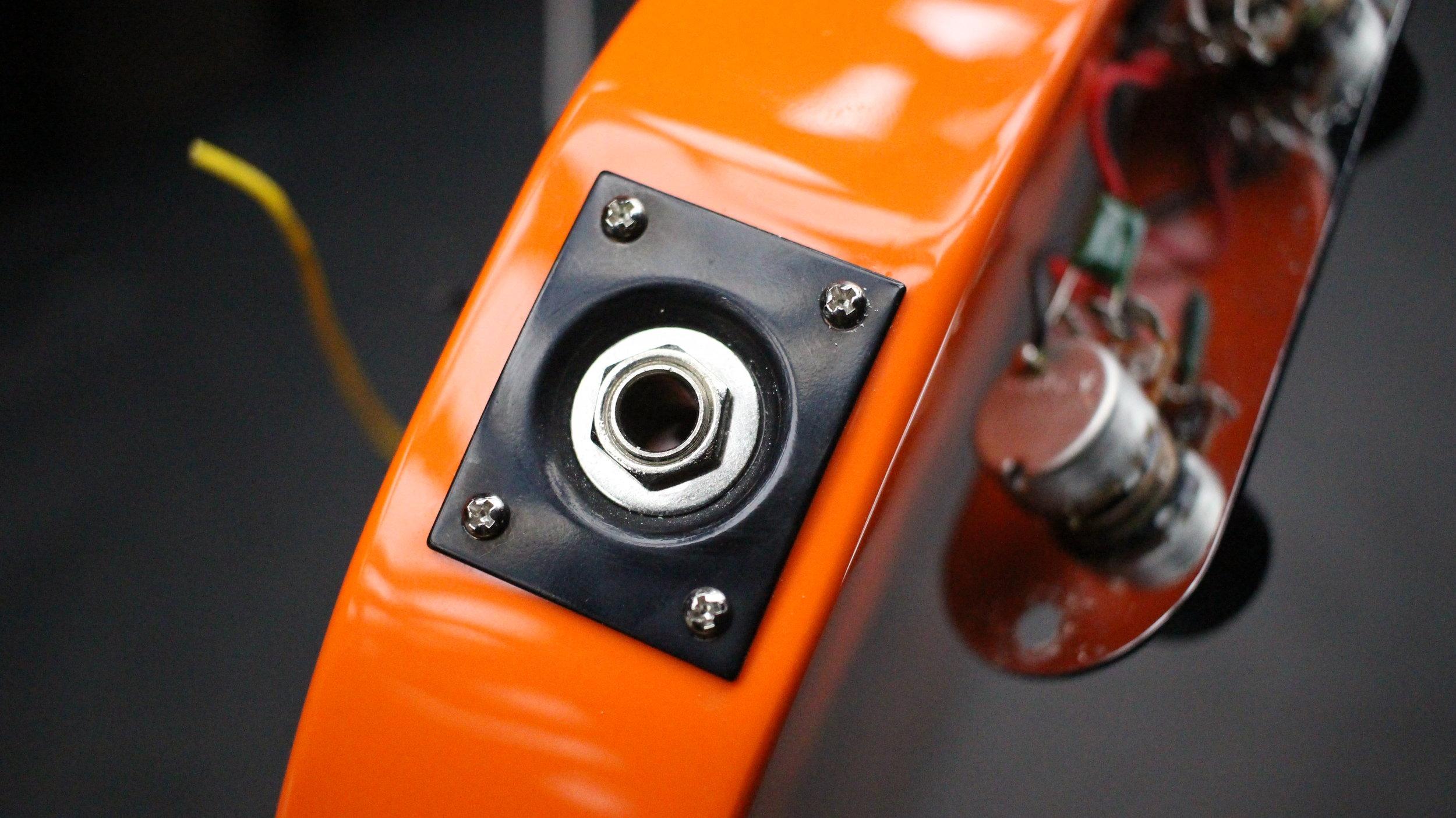 Squier telecaster output jack