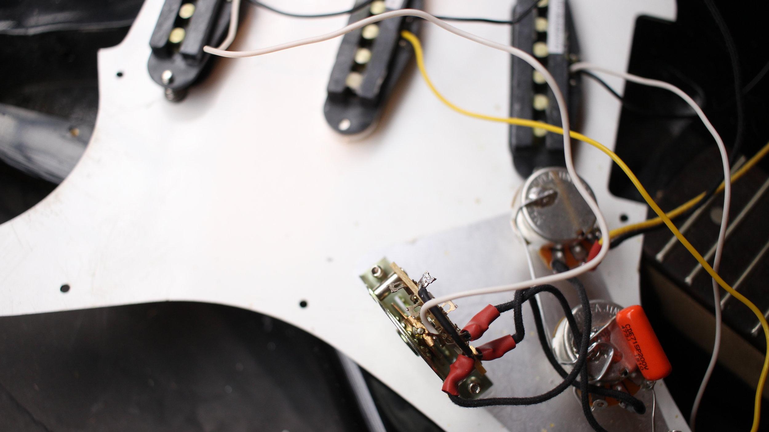 Stratocaster Blender switch bridge