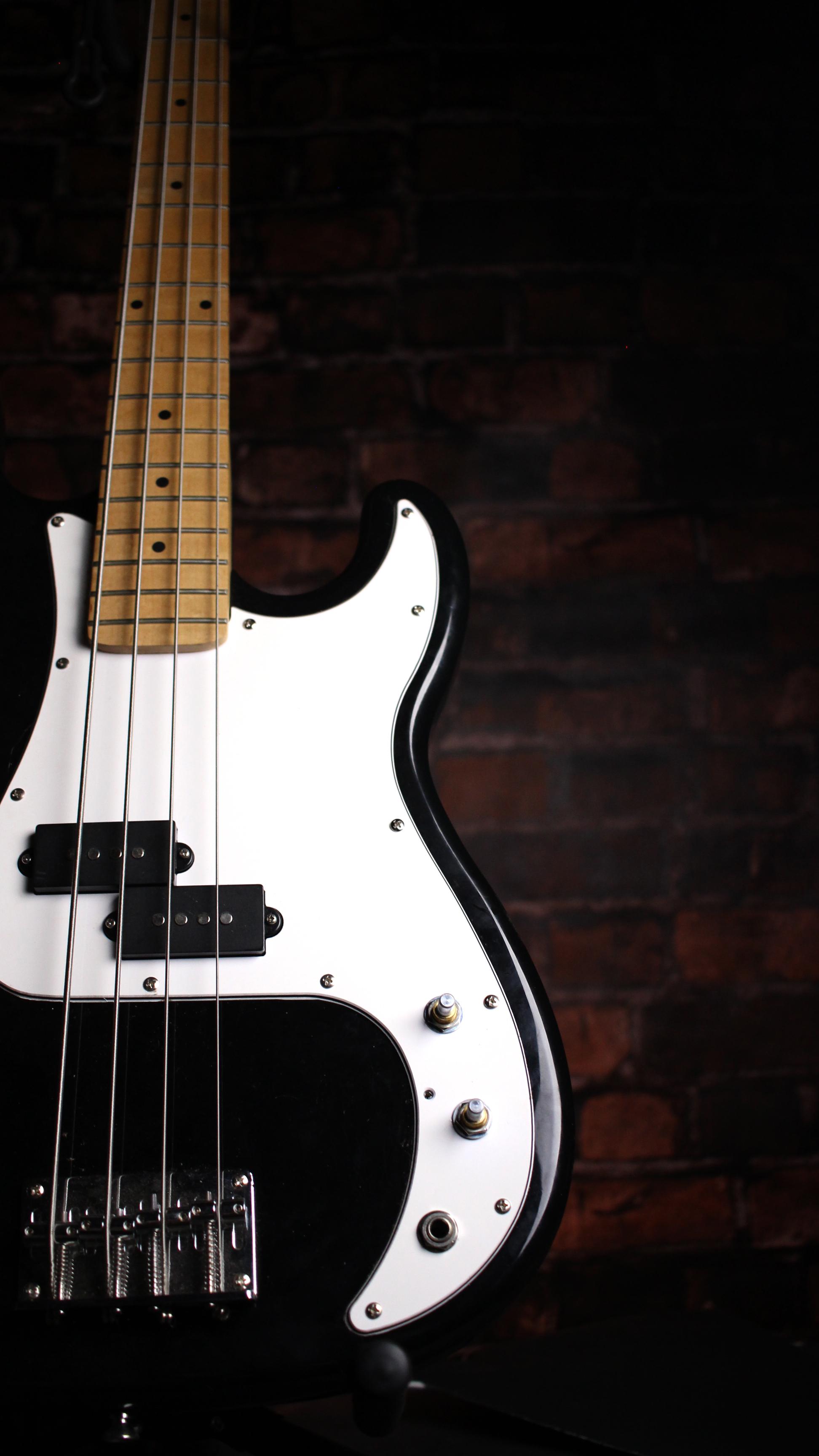 p Bass.jpg