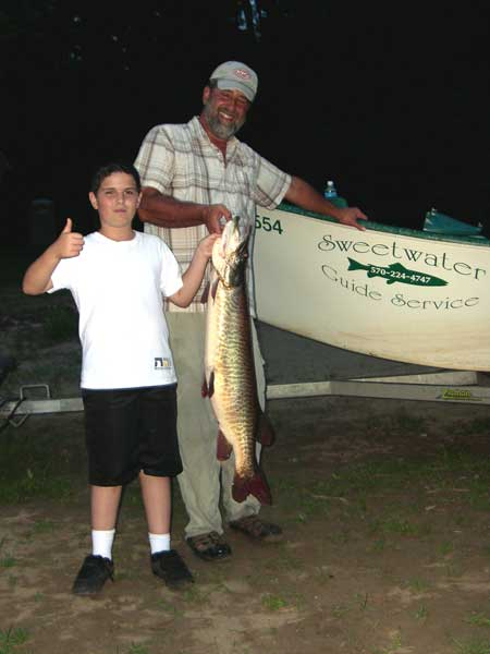 "Dane with a 41"" Tiger Muskellunge"