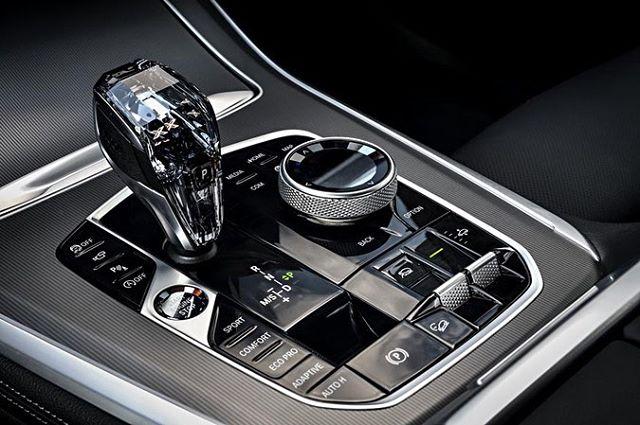 You want bougie? Mercedes doesn't have this . . . 😉 #bmw #bimmer #bimmeramerica #bmwcarclub #bmwmotorsports #bmwusa #bmwnews #bmwcoding #teambmw #mpower #bmwfan #bmwclub #bmwgram #bmwlife #bmwlover #bmwporn #carporn #carclub #carstagram #carsofinstagram #automotivephotography #luxury #speed #carswithoutlimits #fastcars #glass #glasscontrols #x5 #x7 #the8