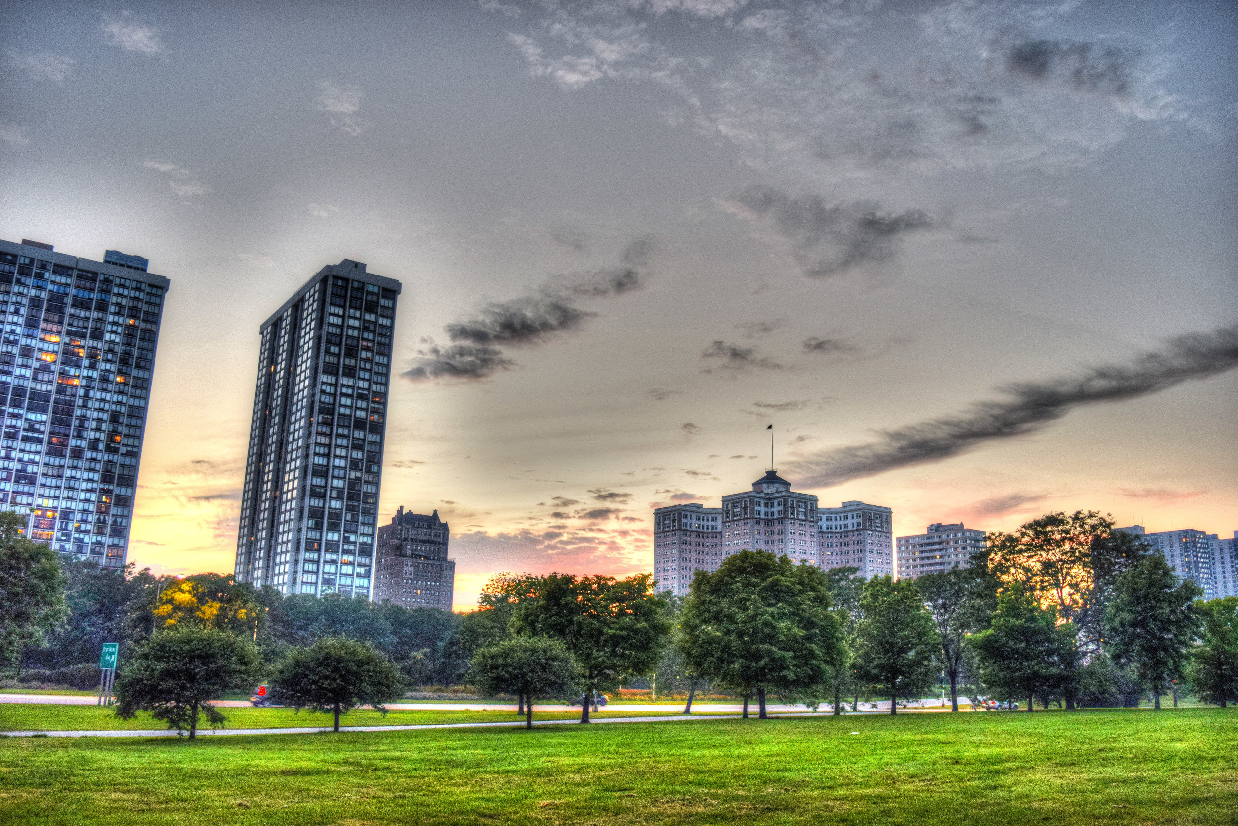 edgewater foster sunset color consolate chicago building classic architecture sharp strong.jpg