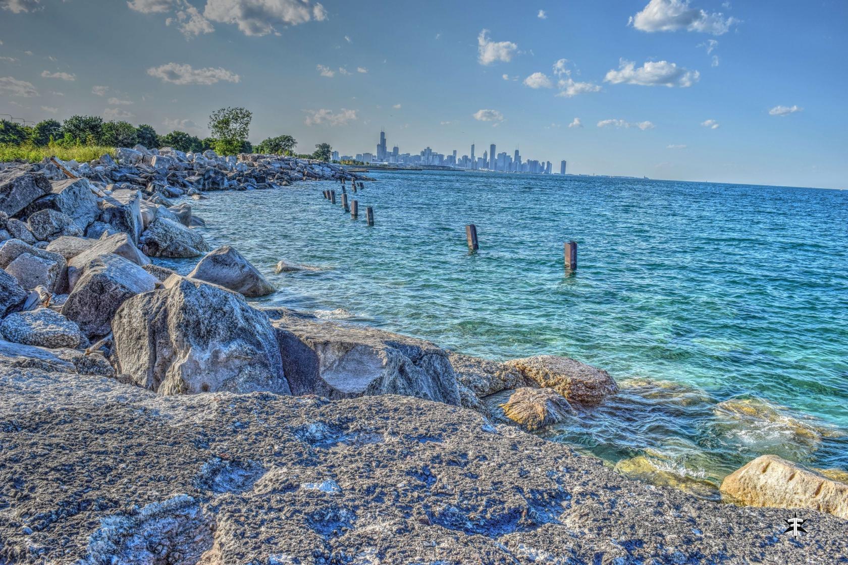 batch_chicago lake michigan skyline water colorful dark detail.jpg
