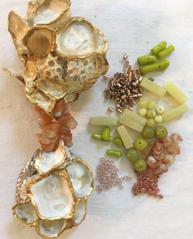 Color #palette for a new shell necklace 📿🐚📿🐚📿 #peach #coral #citrine #blush #rosegold #chartreuse #giftfromthesea #edistobeach #shell #jewelry