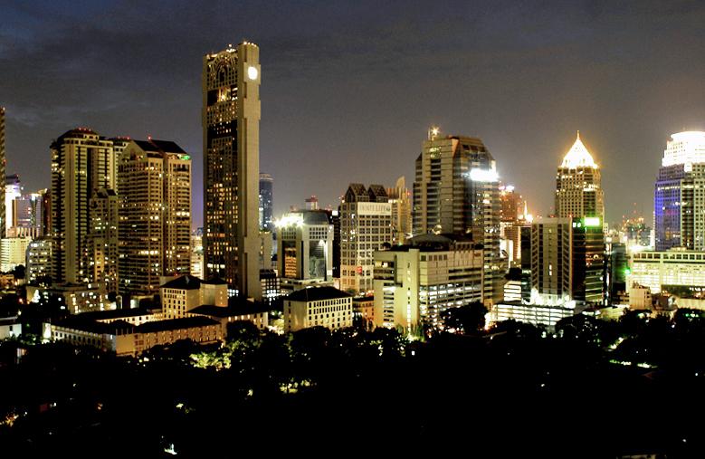 Bangkok Night Skyline copy 800.jpg