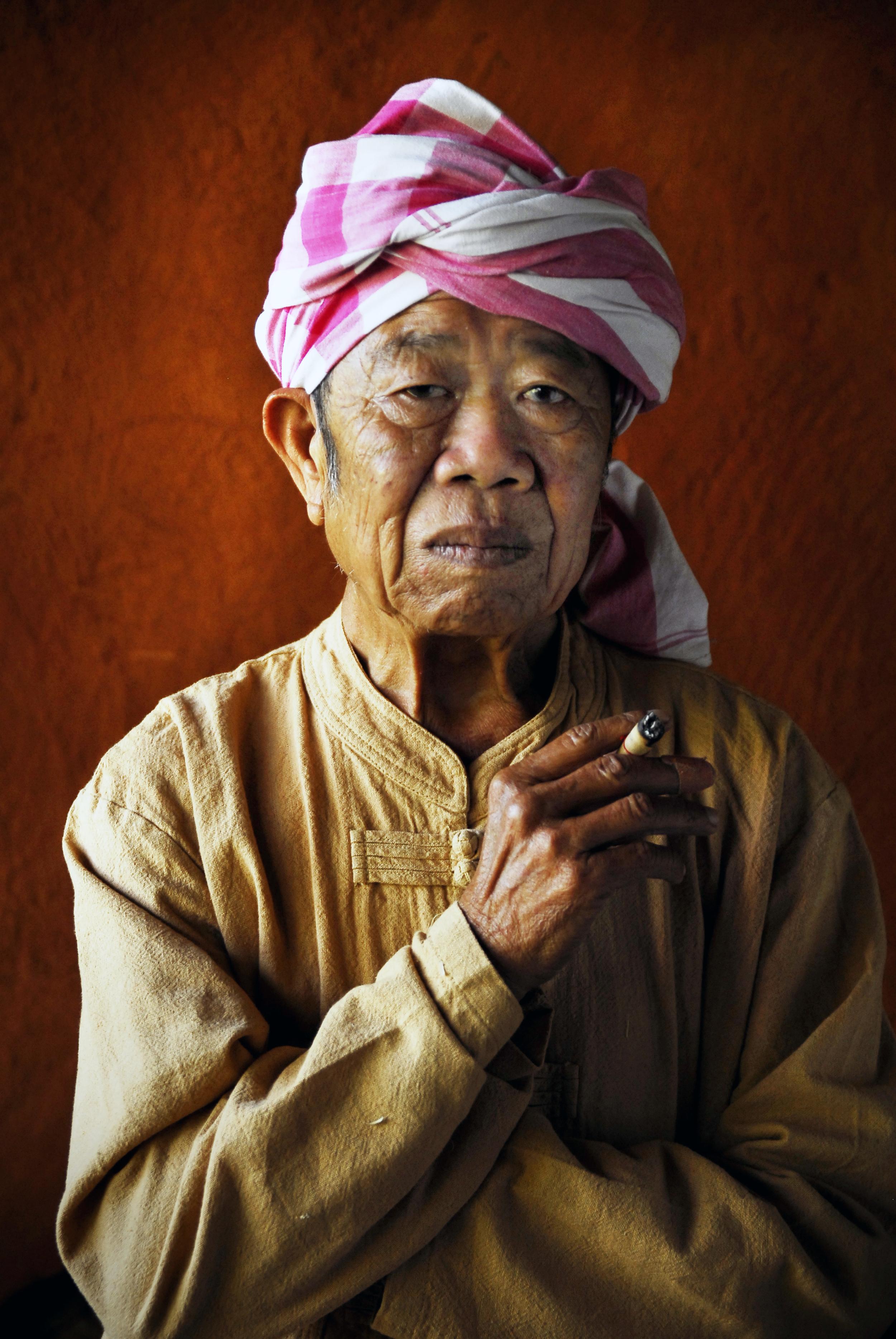 Khun Uncle.jpg