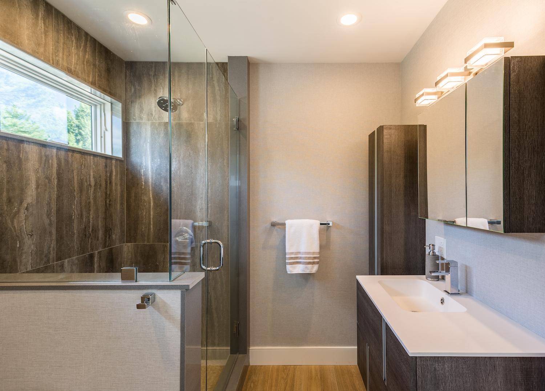 vermont-modern-bathroom.jpg