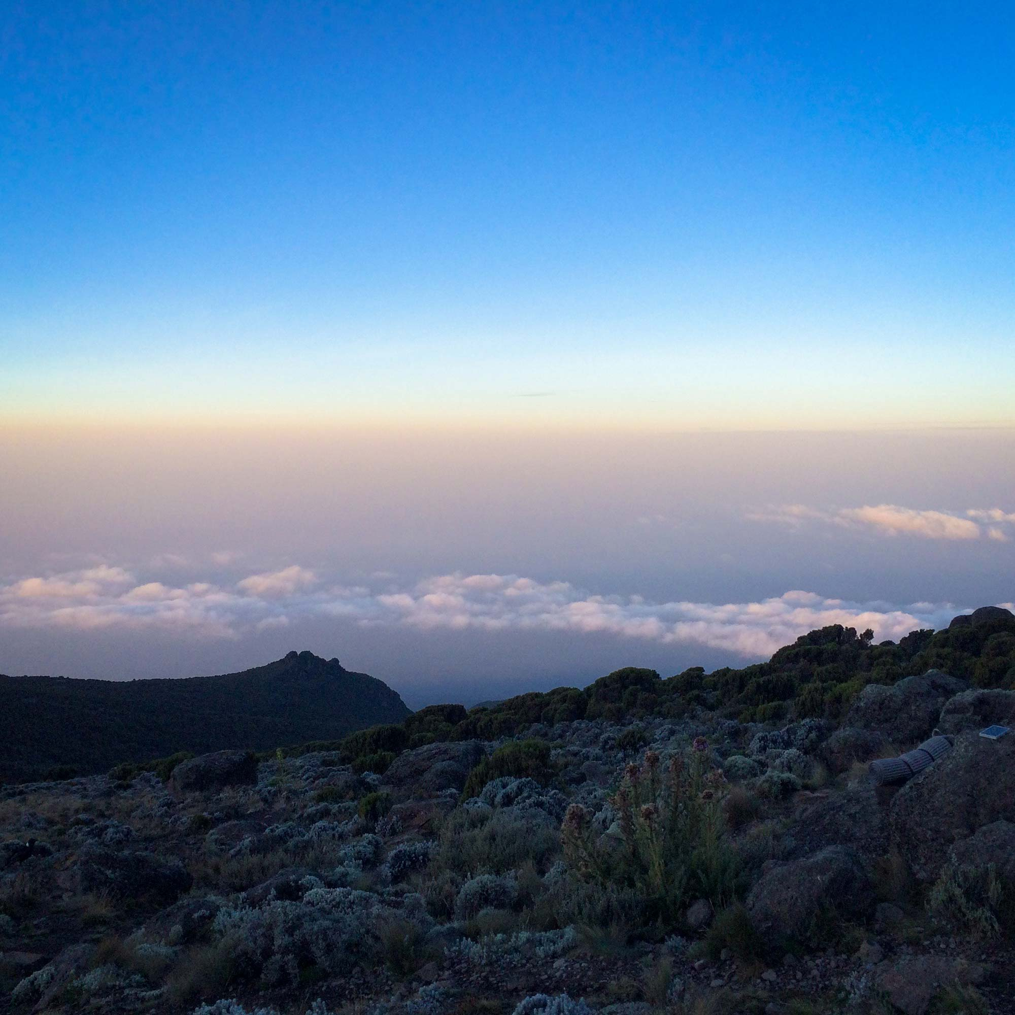D6-15-shades-of-color-karanga-camp-kilimanjaro.jpg