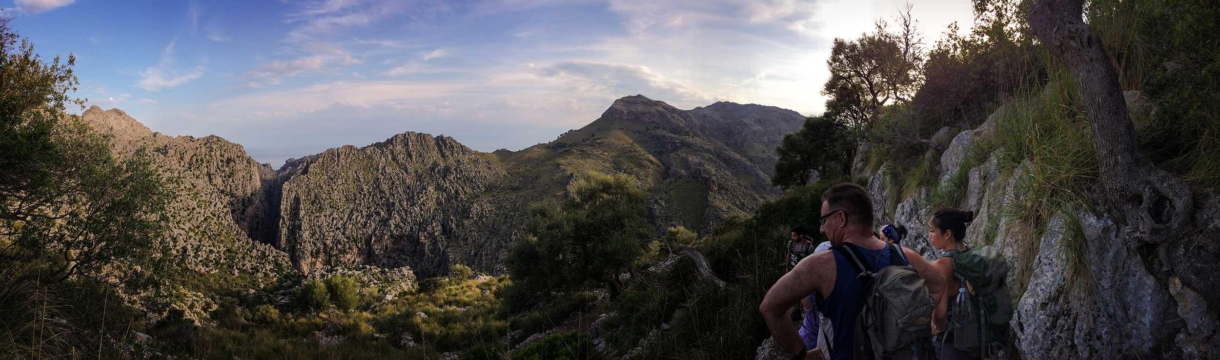 TDP-05-hiking-group-descending-toward-torrent-de-paries-hike-mallorca.jpg