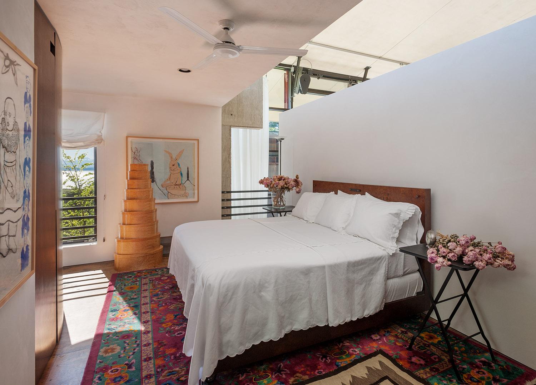 holley-bedroom1.jpg