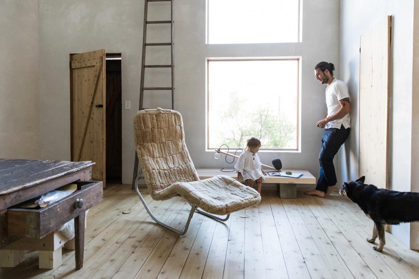 anthony-esteves-soot-house-living-room-4-maine-greta-rybus-1466x977.jpg