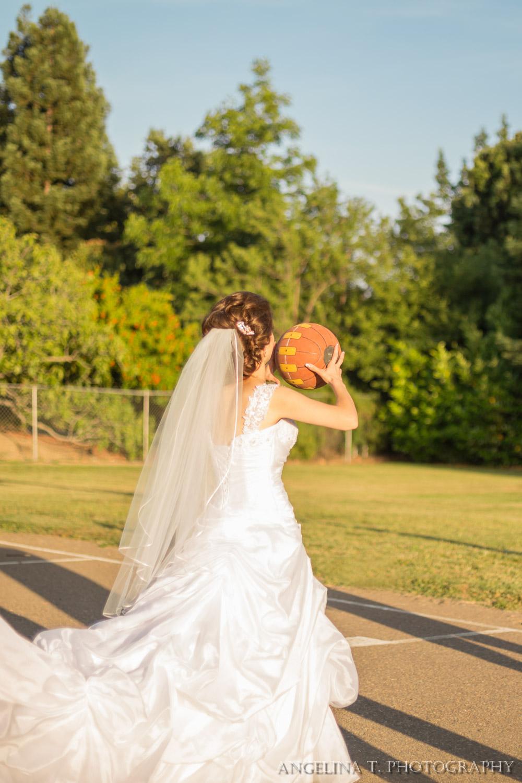 sacramento-wedding-photographer-17-bride-shooting-basketball.jpg