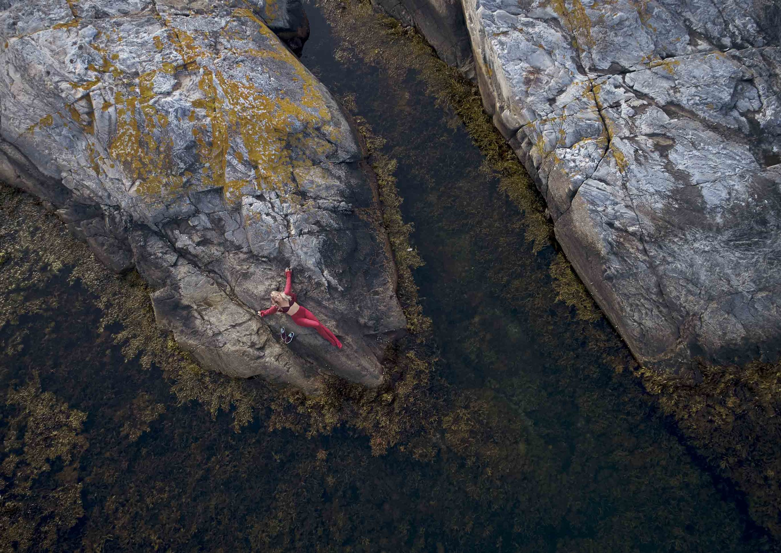 bauerfeind-venotrain-soft-campaign-coral-print_0523_RGB1_1.jpg