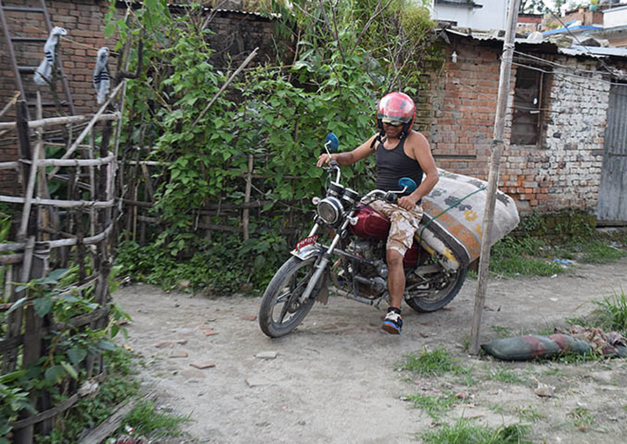 7Karaoke_gold_motocross.jpg