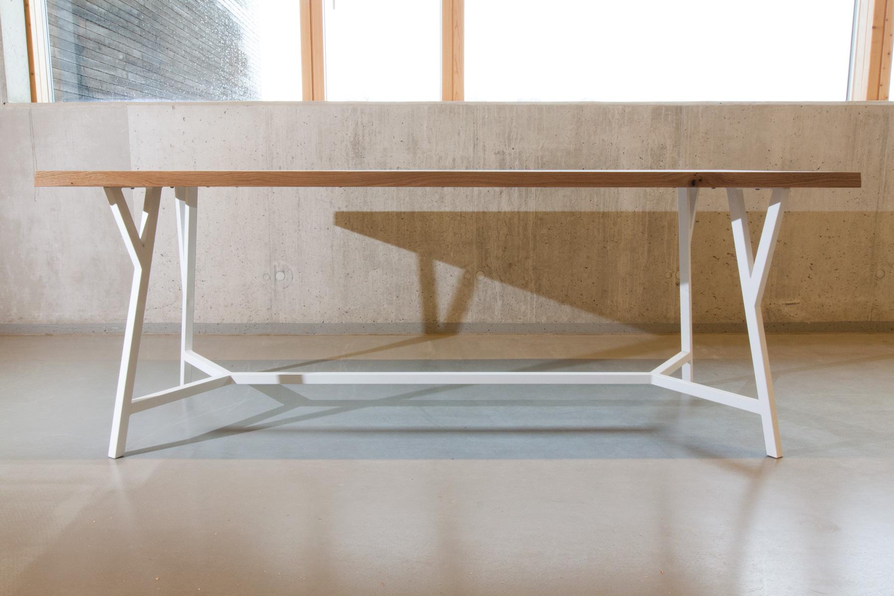 Möbelbau - Individueller Möbel- oder Innenausbau gehört auch zu unserem Repertoire. Sonderanfertigungen sind Programm, keine Ausnahmen.