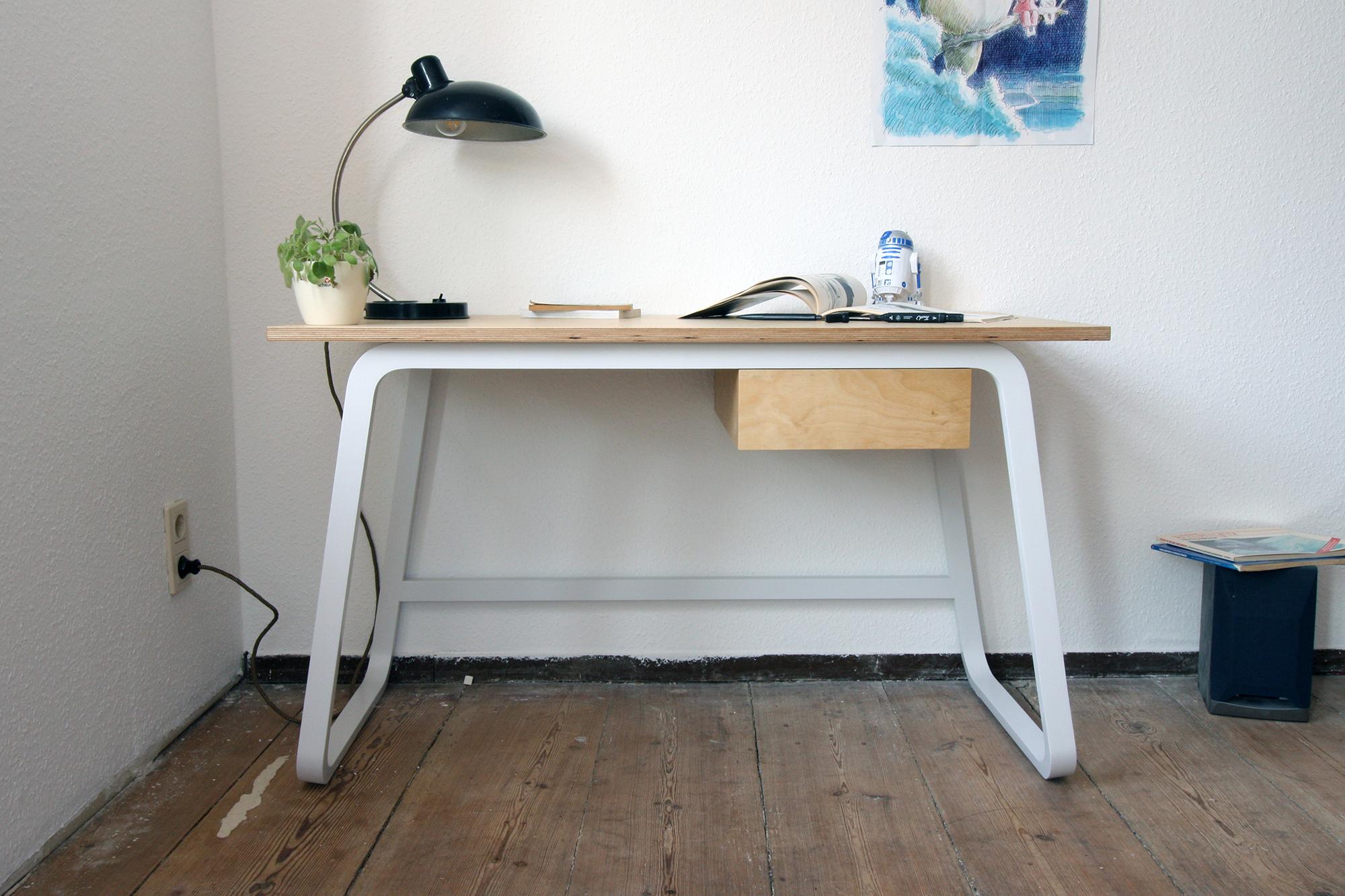Desk 3 rossnagel.jpg