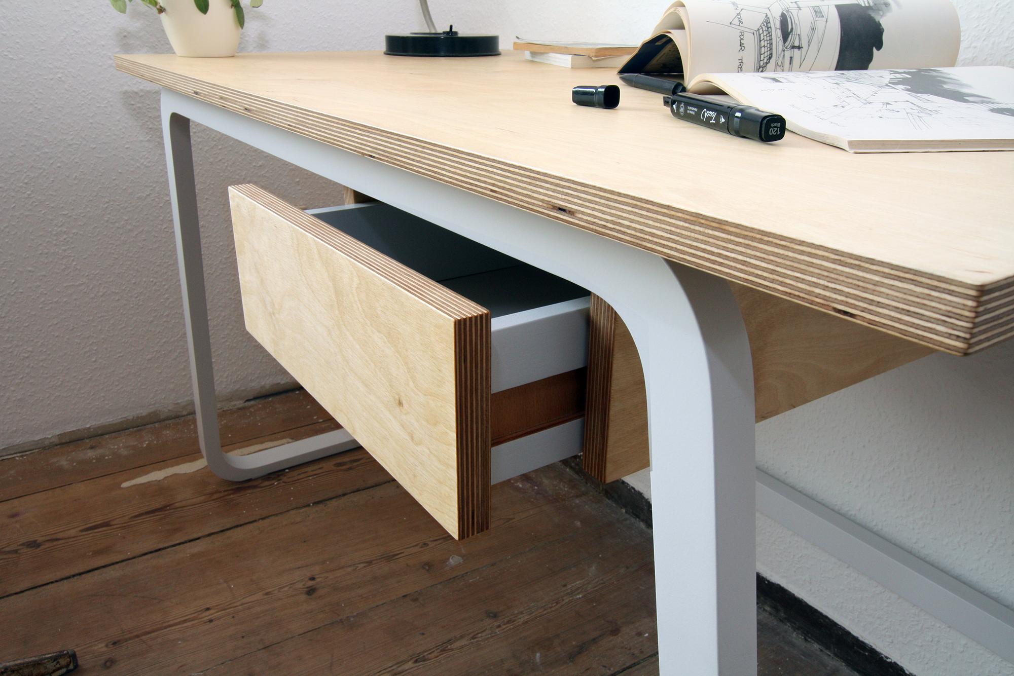 Desk 5 rossnagel.jpg