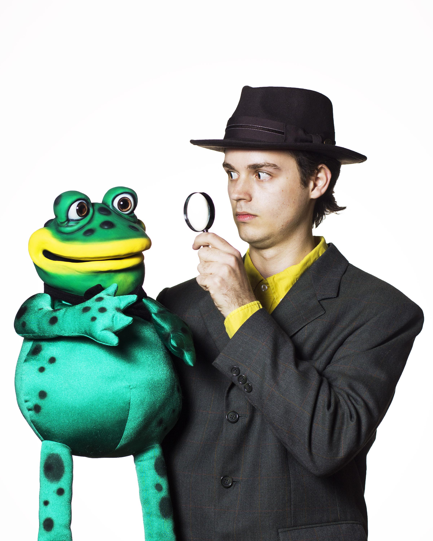 3-Fredric and Detective.jpg