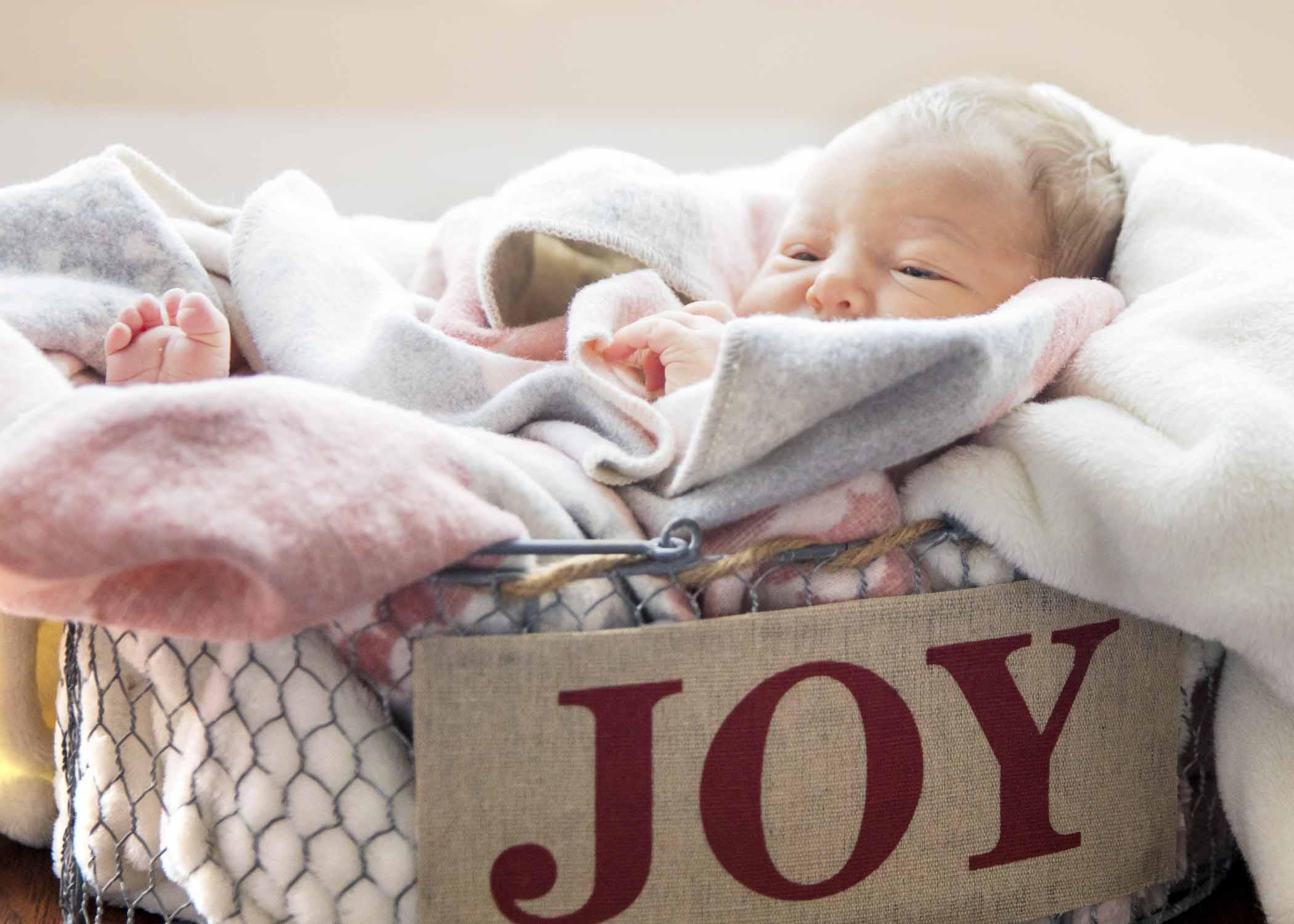 Mr. DJV Covey Family-Newborn-JJI2018 -19.jpg