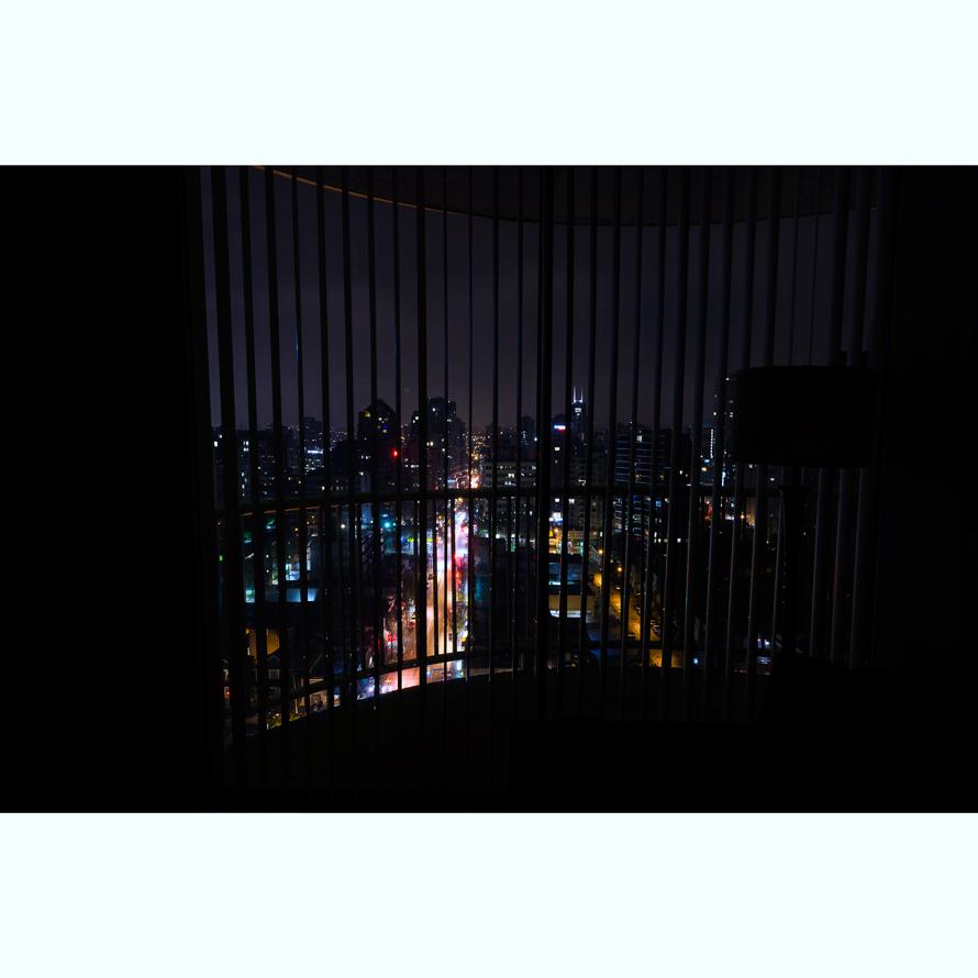 Room_002.jpg