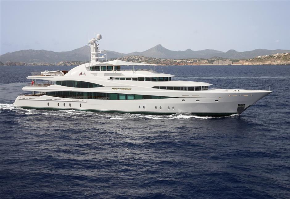 LADY CHRISTINE - 68m Feadship 2010 build. Priced at $69,000,000.