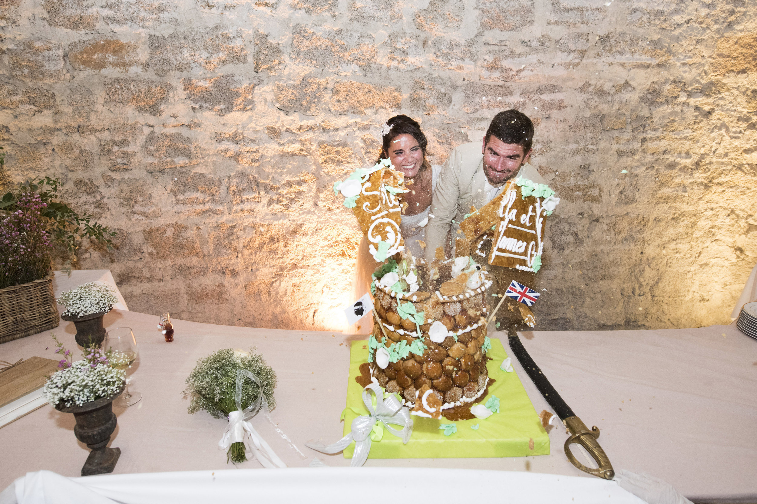 cutting-the-cake-corsican-style_004.jpg