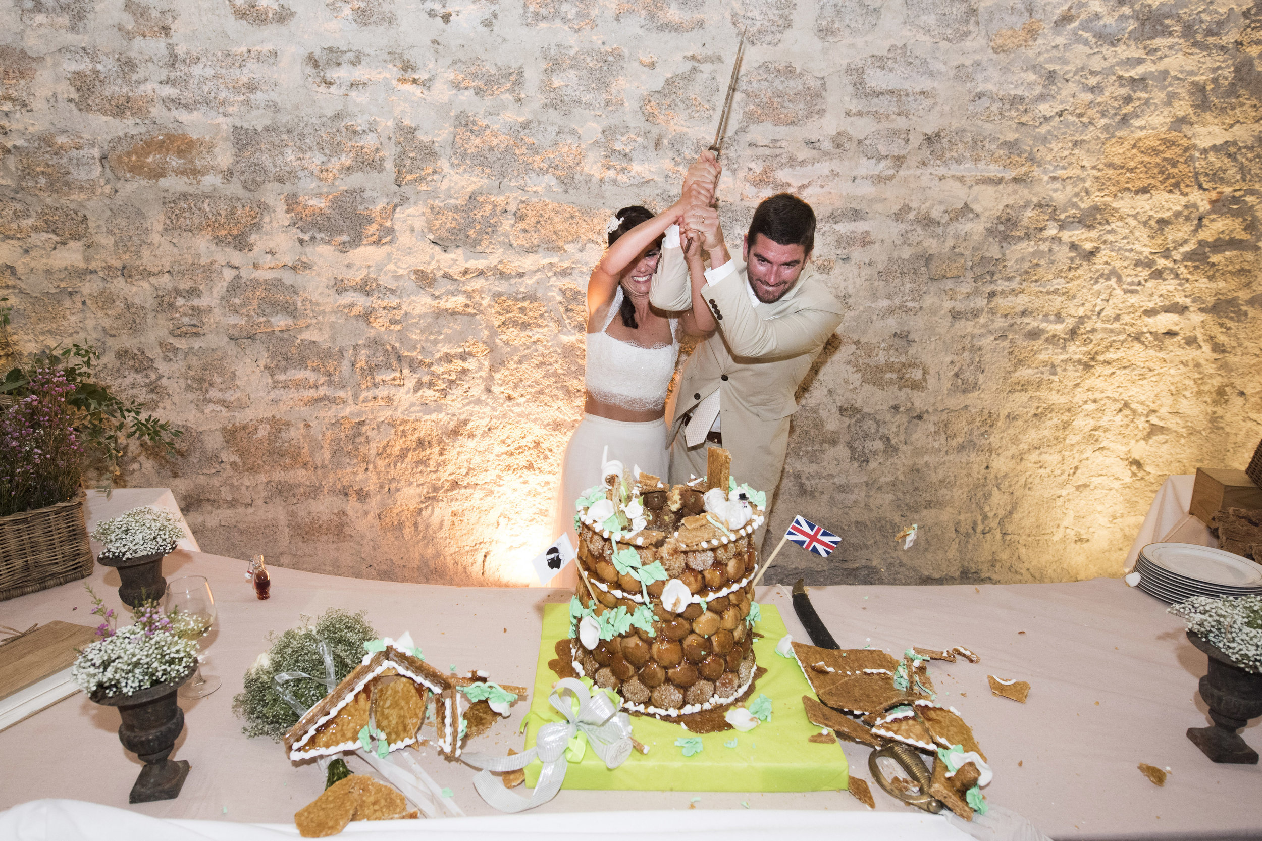 cutting-the-cake-corsican-style_005.jpg
