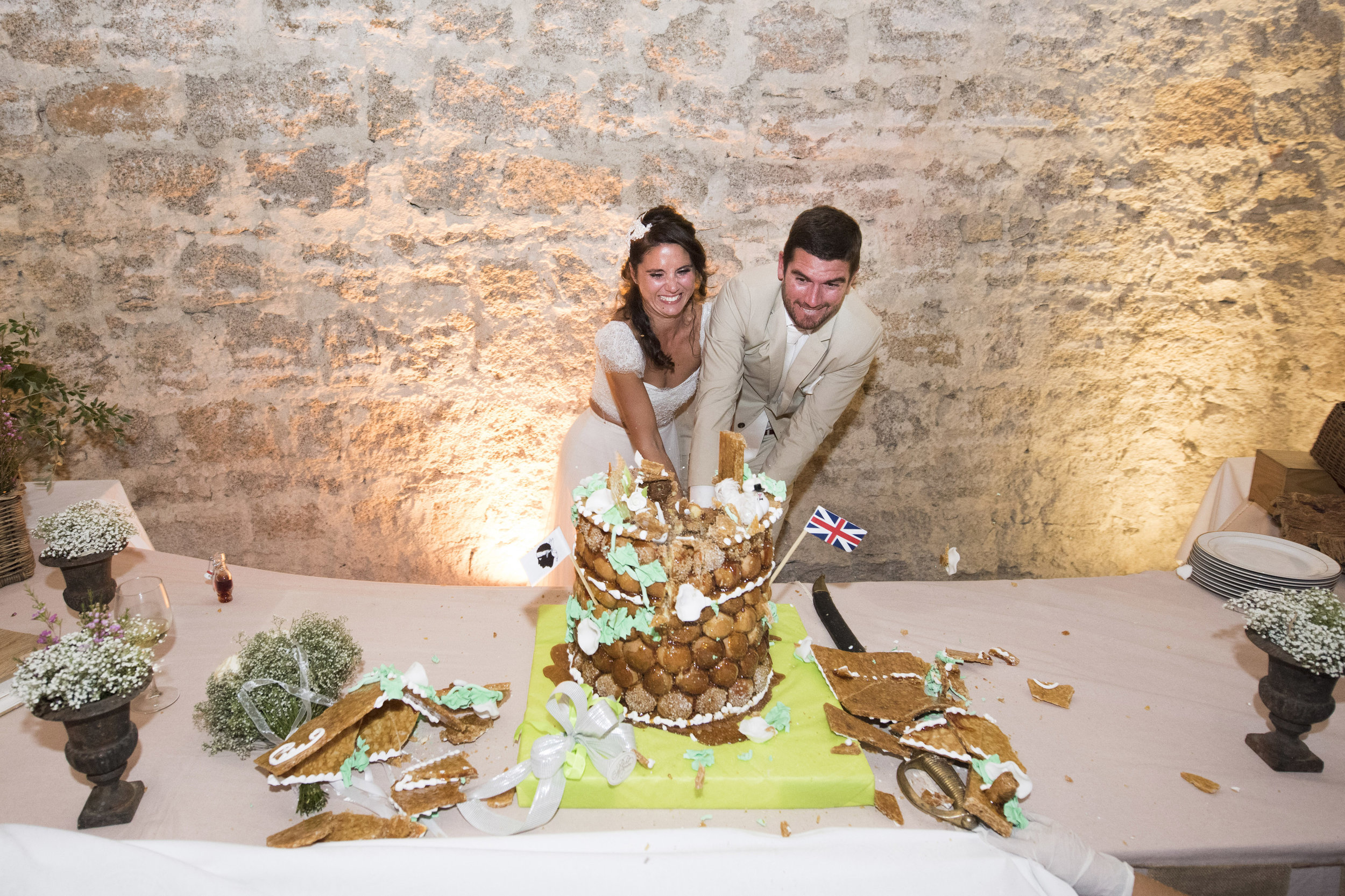 cutting-the-cake-corsican-style_006.jpg