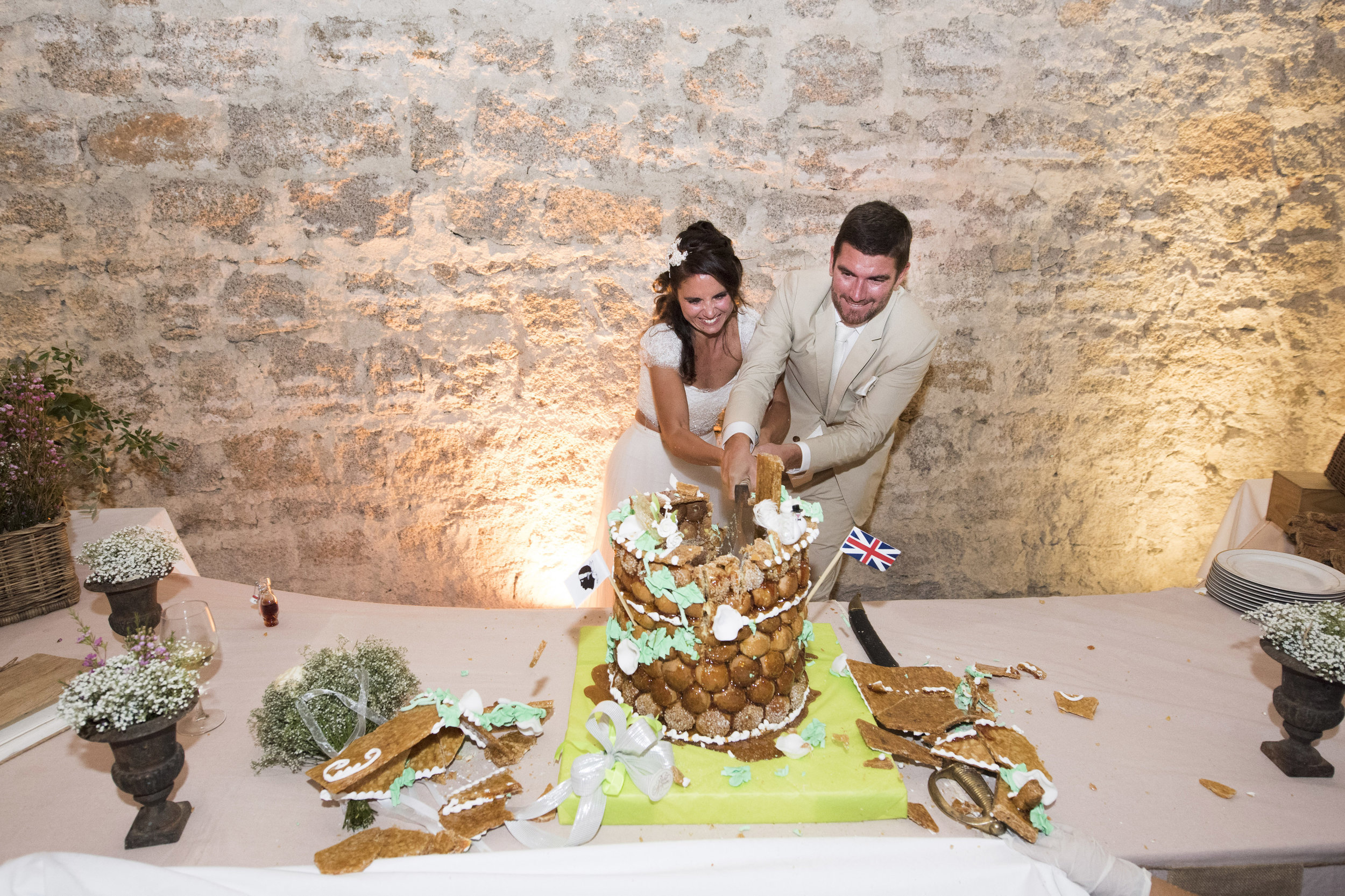 cutting-the-cake-corsican-style_007.jpg