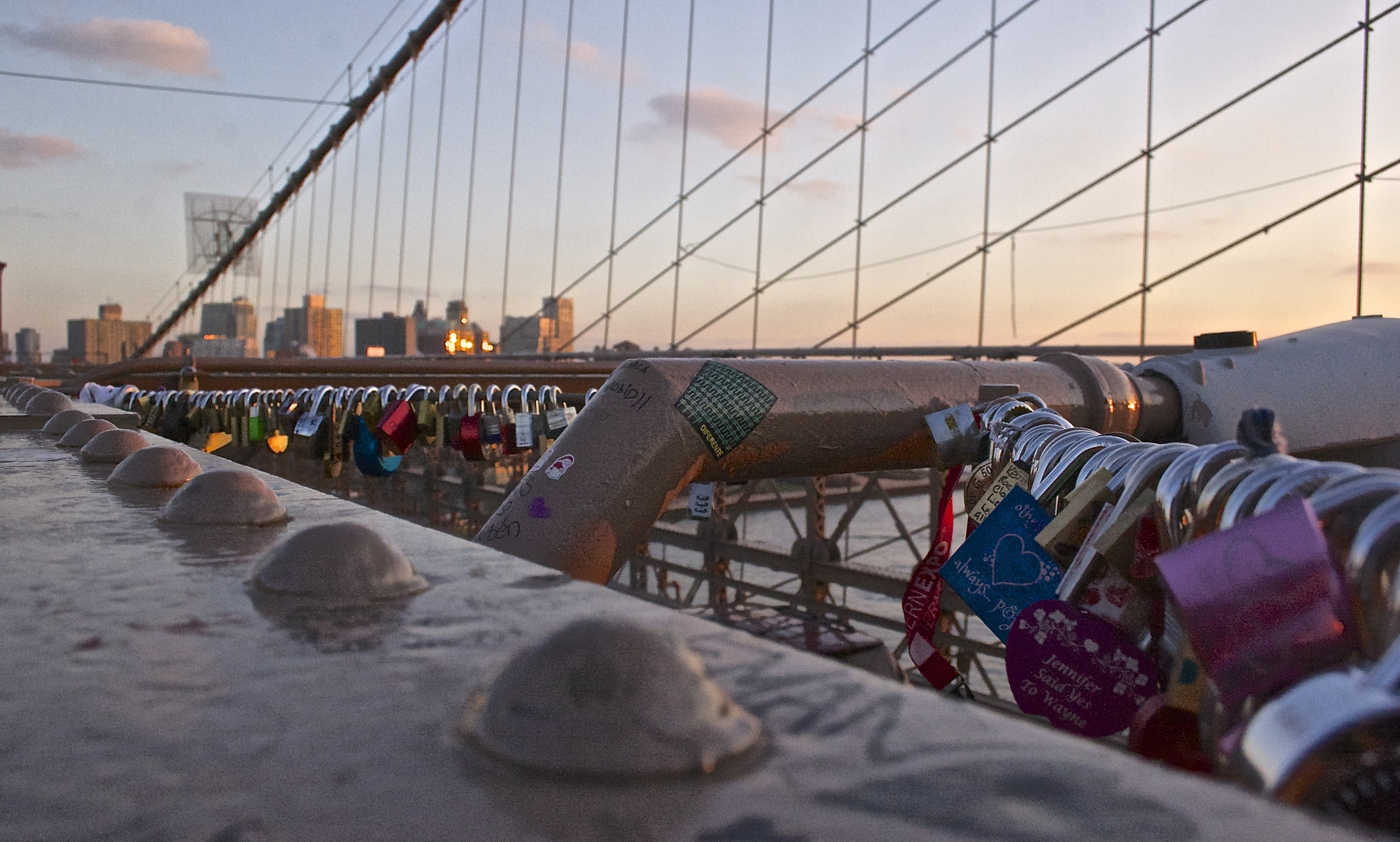 padlocks-on-brooklyn-bridge.jpg