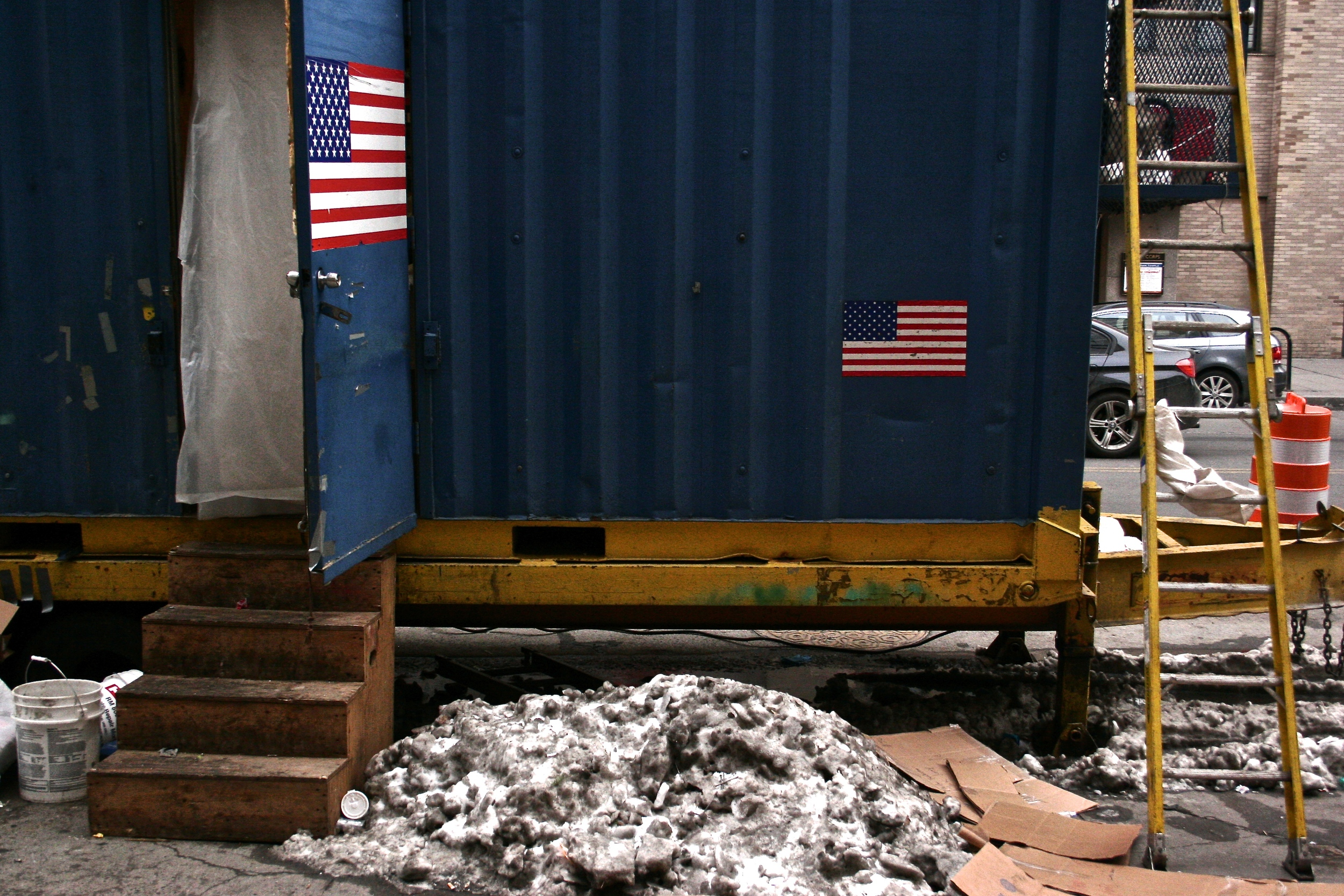 nyc-work-trailer-with-amaerican-flag.jpg