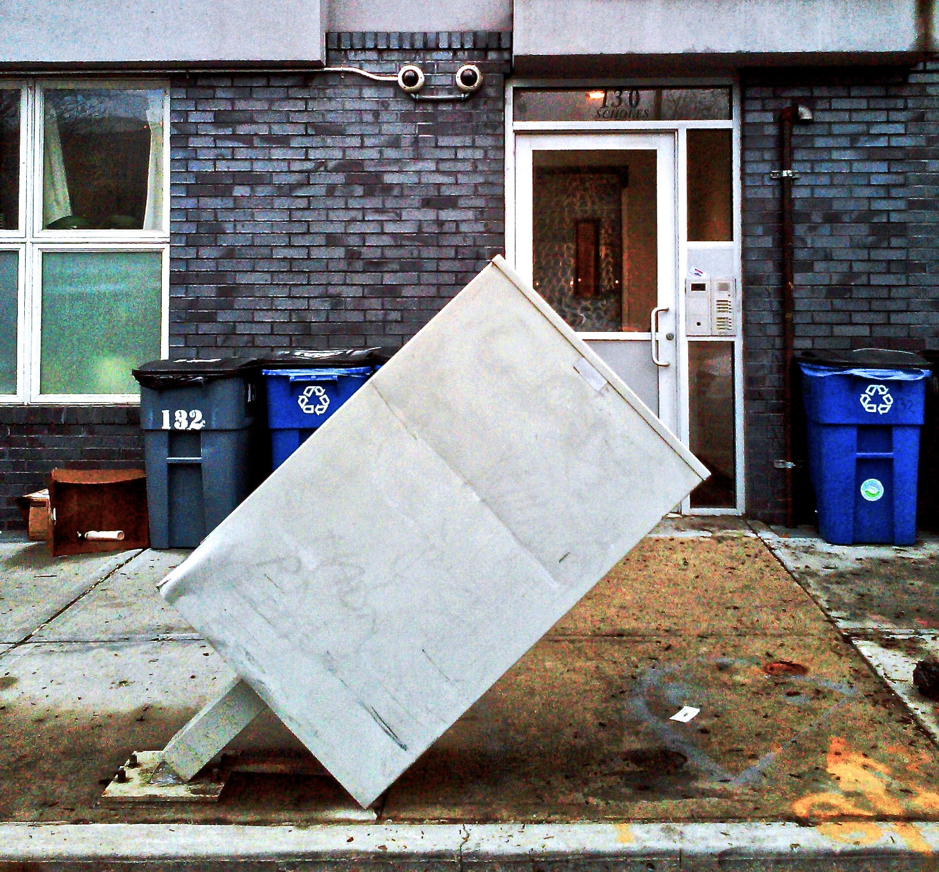 broken-mailbox-in-brooklyn-wbc.jpg