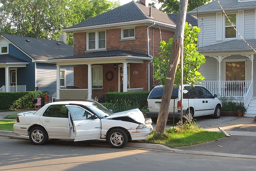 Detroit Light Pole Car Crash Lawyer