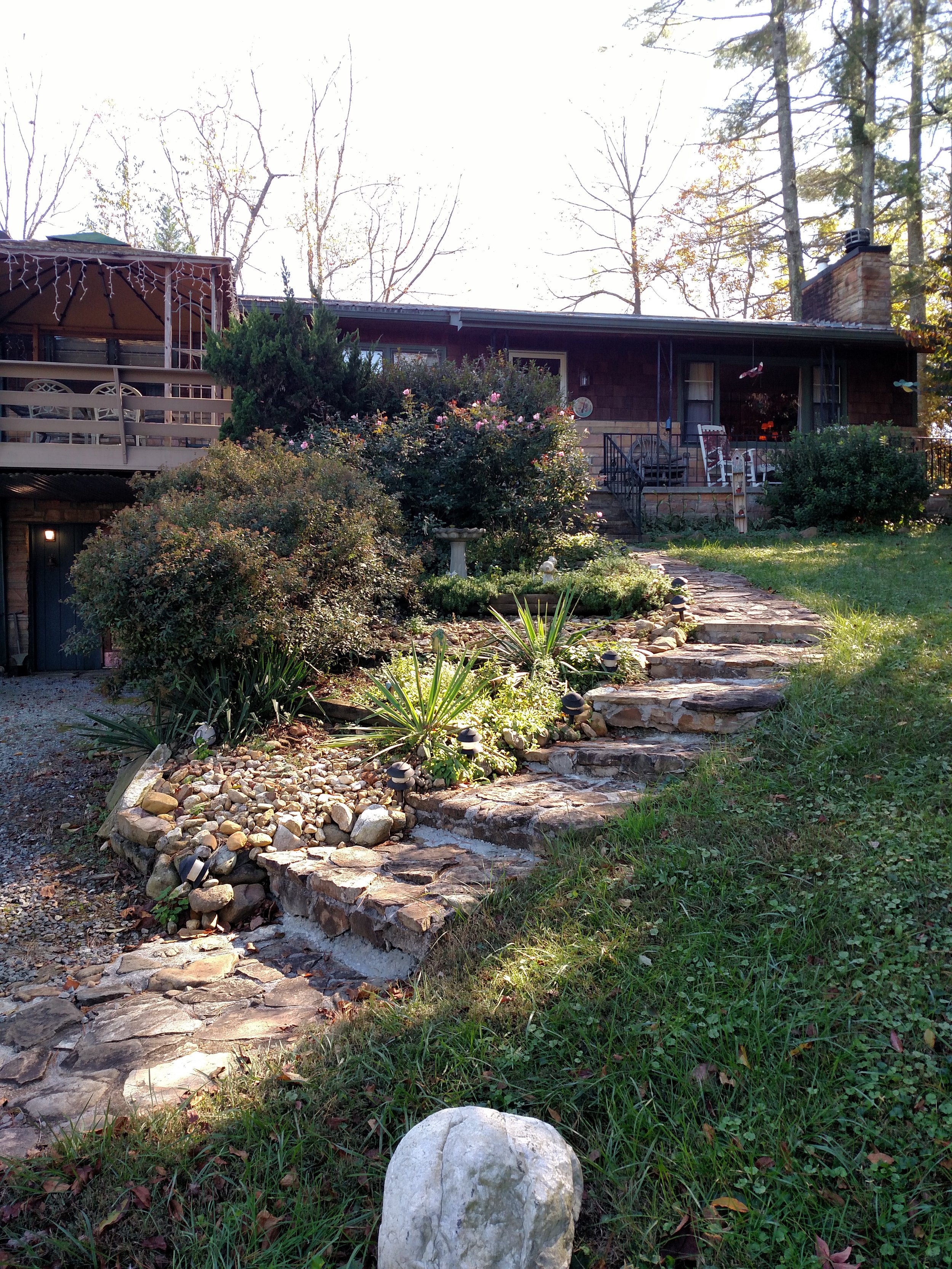 4.2 STEPS LEADING TO FRONT PORCH.jpg